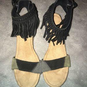 Minnetonka wedge fringe sandals . Size 6.5